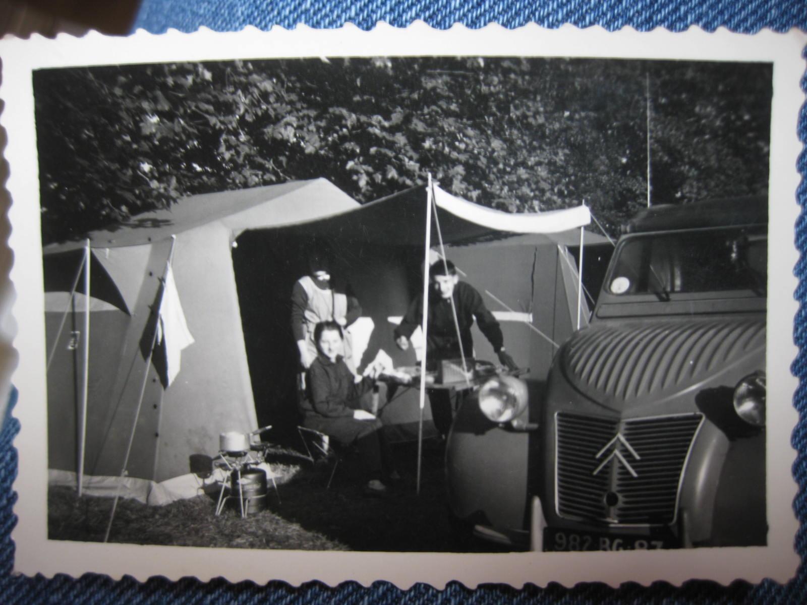 premi u00e8res vacances en camping avec la 2cv  ann u00e9es 50  u00e0