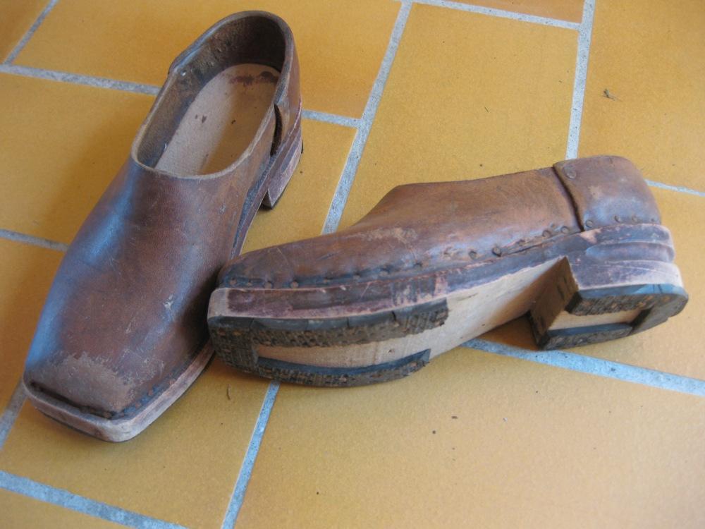 Les socques, les galoches, les sandalettes à Saint-Yrieix, années 40, 50, 60 (2/4)