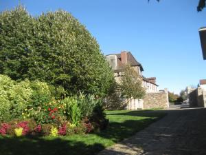 St-Yrieix, derrière l'église