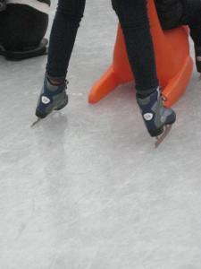 Carla fait du patin