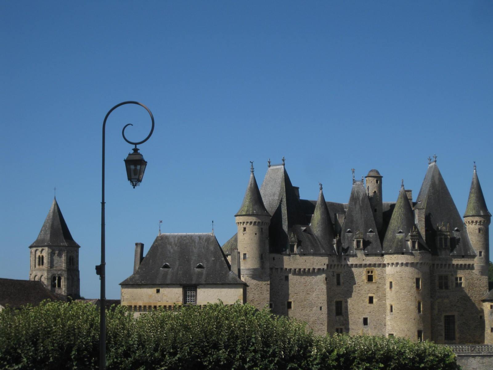 Jumilhac château et église