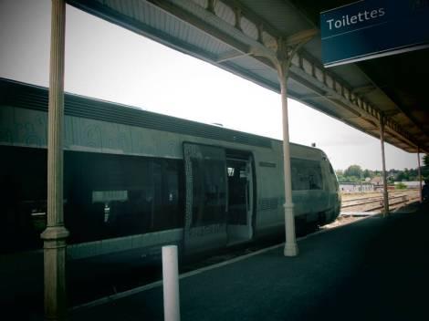 arrivée du train en gare de St-Yrieix 2